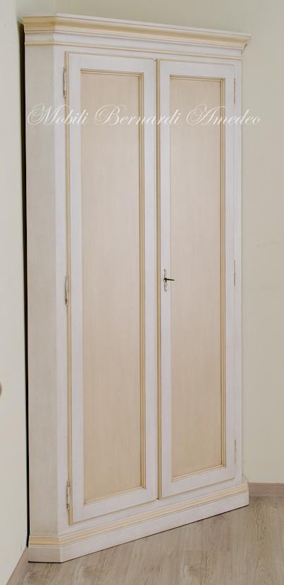 mobile dispensa angolare : Mobile angolare in legno massello colorato