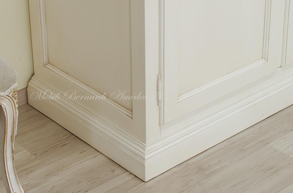 Armadi laccati armadi - Mobili legno bianco anticato ...