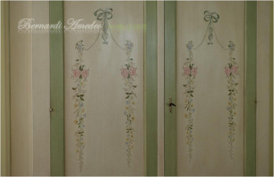 Comodini valentine for Greche adesive da muro