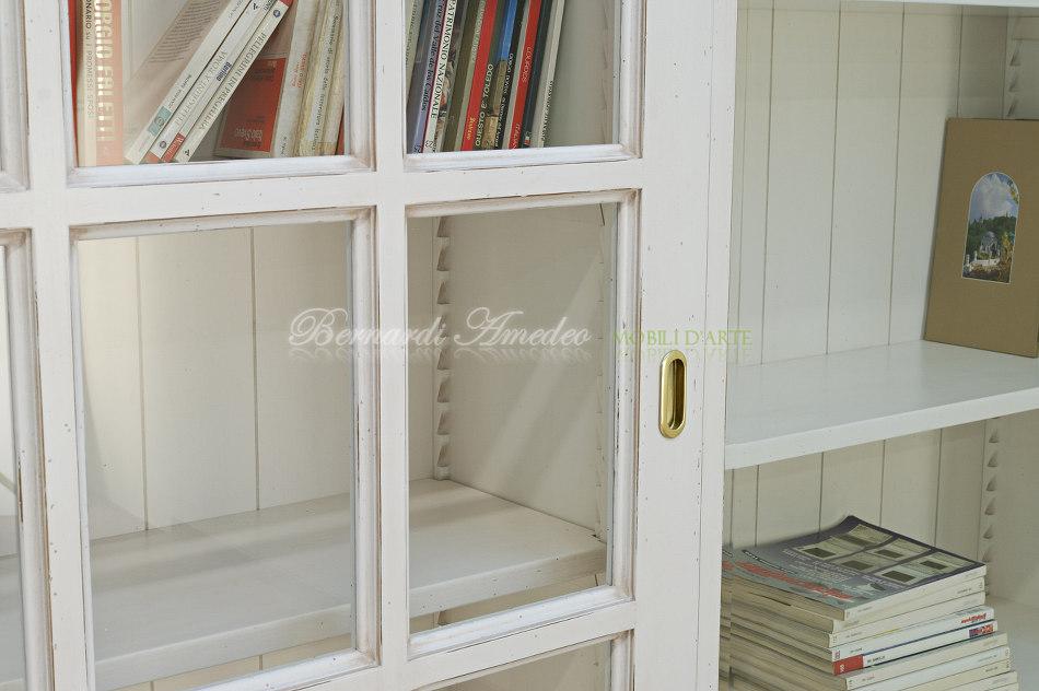 Libreria bianco avorio con ante scorrevoli ultimi mobili aggiunti - Mobili legno bianco anticato ...