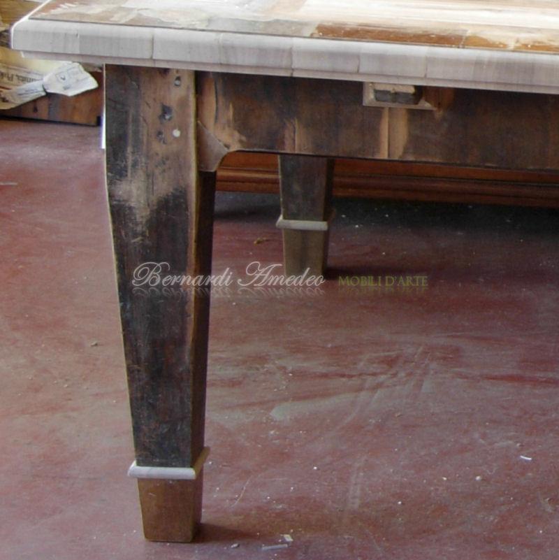 Tavolo vecchio a 6 gambe, 285x145, lastronato.