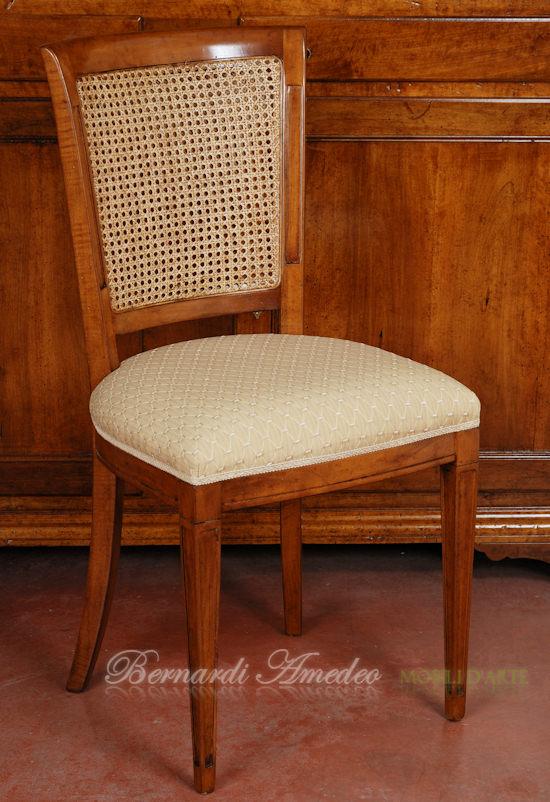 Sedie e poltroncine in noce sedie poltroncine divanetti for Sedie imbottite classiche