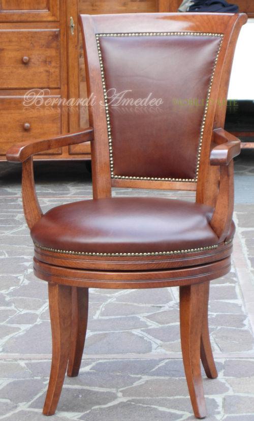 Poltrone girevoli sedie poltroncine divanetti for Sedie in pelle marrone