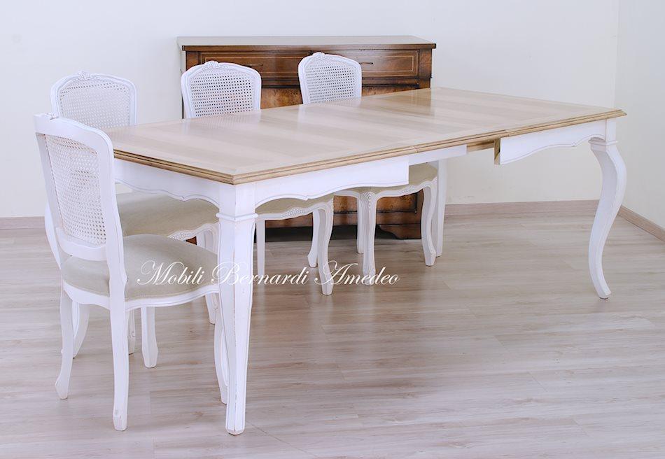 Tavoli allungabili in stile 16 tavoli for Tavolo noce allungabile