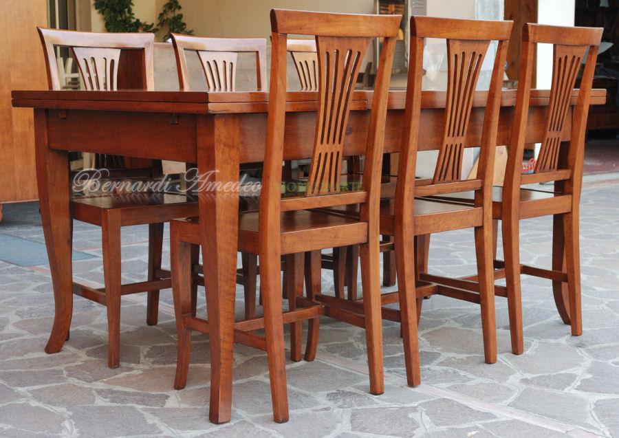 Sedie e poltroncine vi sedie poltroncine divanetti for Poltroncine per tavolo da pranzo