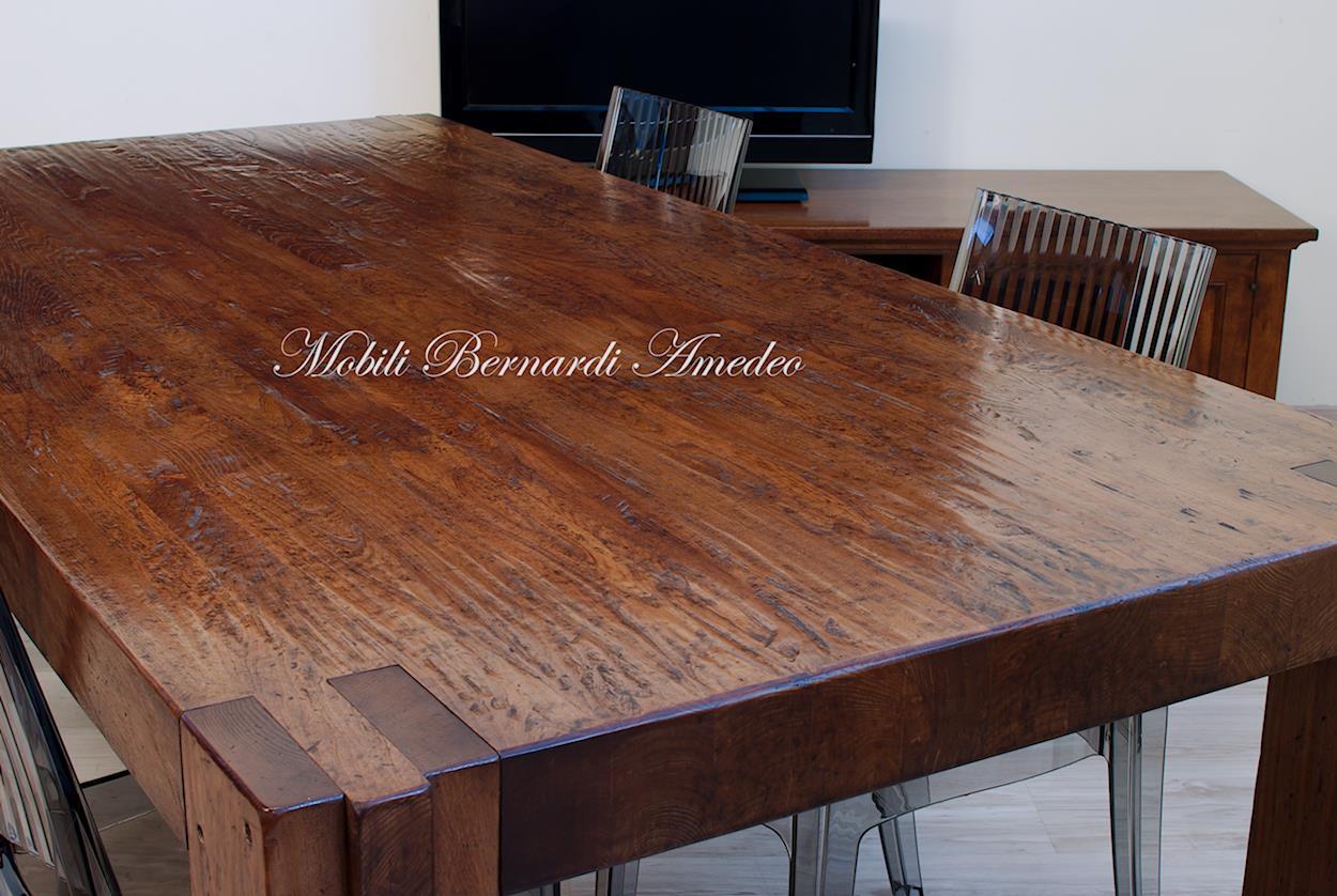 Tavolo moderno in legno massiccio tavoli - Dimensioni tavolo tondo 4 persone ...