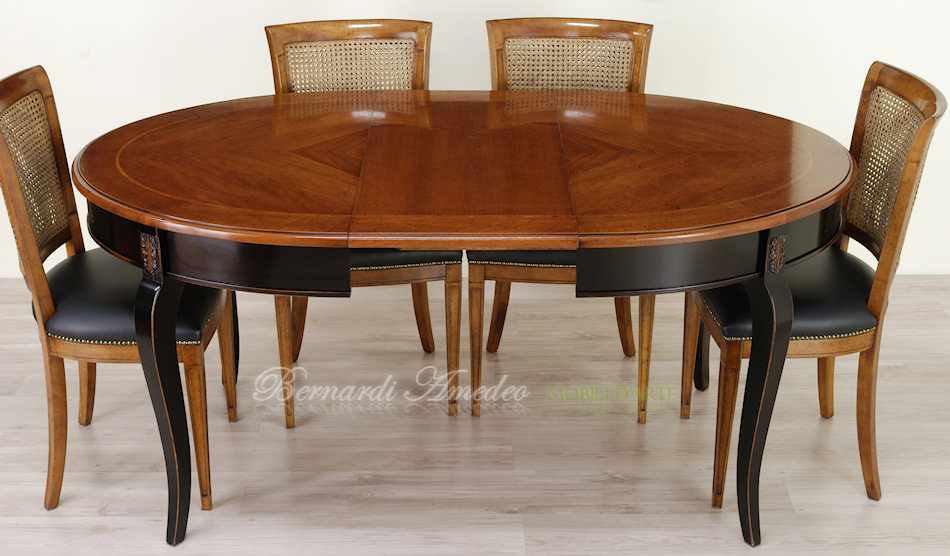 Tavoli rotondi e ovali allungabili 3 tavoli for Tavoli in legno allungabili massello