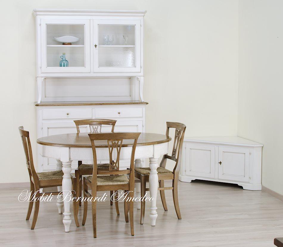 Tavoli stile classico rotondi e ovali 6 tavoli for Tavolo in legno bianco