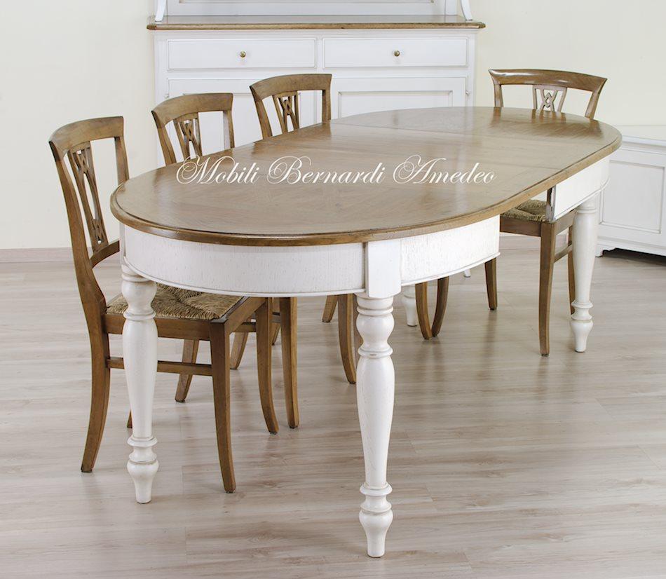 Tavoli stile classico rotondi e ovali 6 tavoli for Tavoli moderni ovali