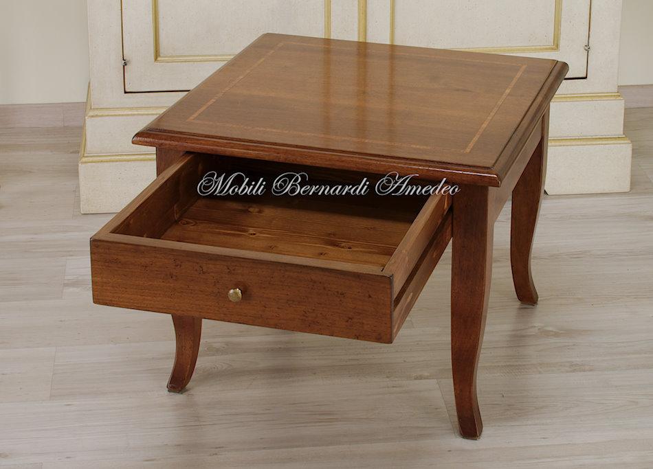 TT03 - Tavolino da salotto in noce con cassetto e intarsio, cm 60x60.
