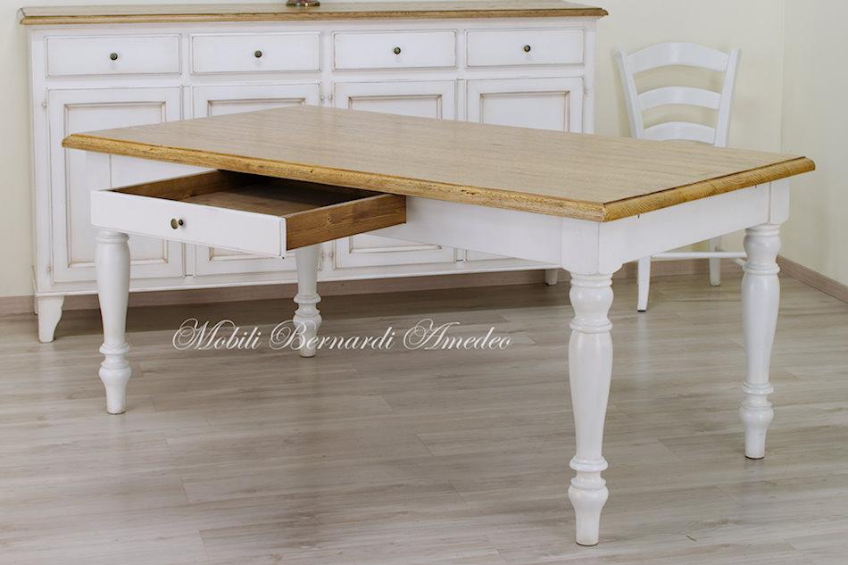 Tavoli country da cucina in legno massello tavoli - Cucina bianca e legno naturale ...