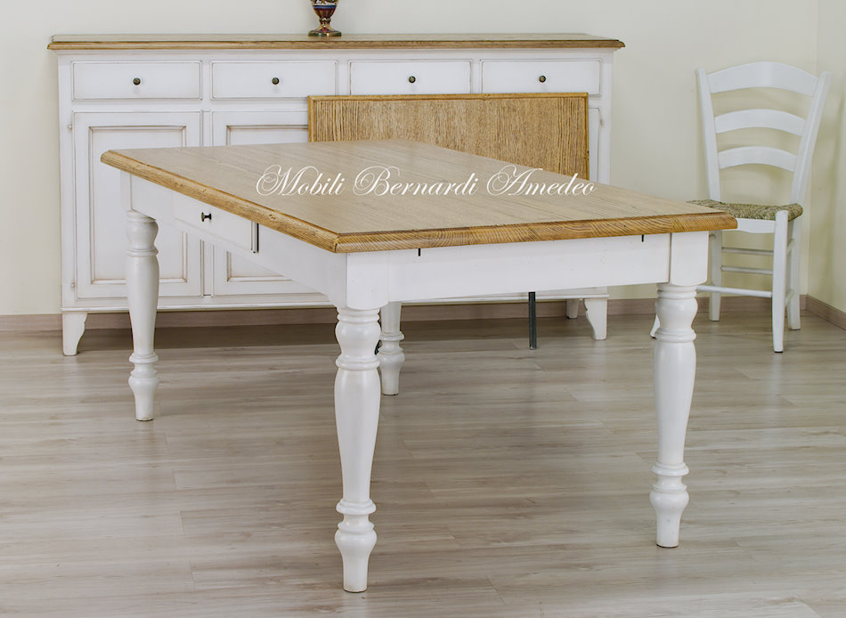 Tavoli country da cucina in legno massello tavoli for Tavoli e sedie da cucina calligaris