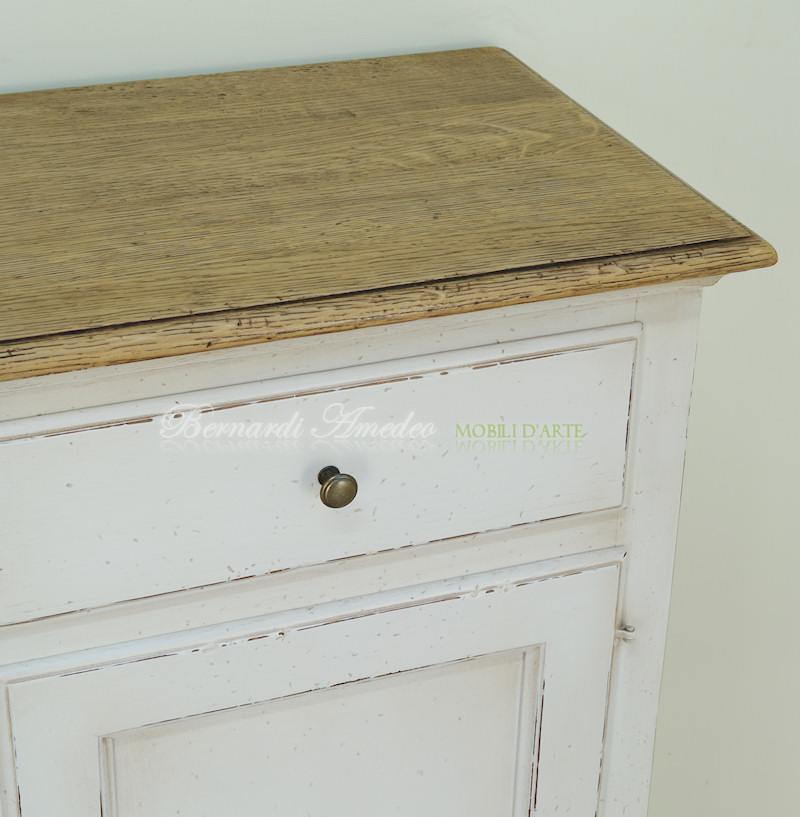Credenze in legno laccate credenze - Mobili legno bianco anticato ...
