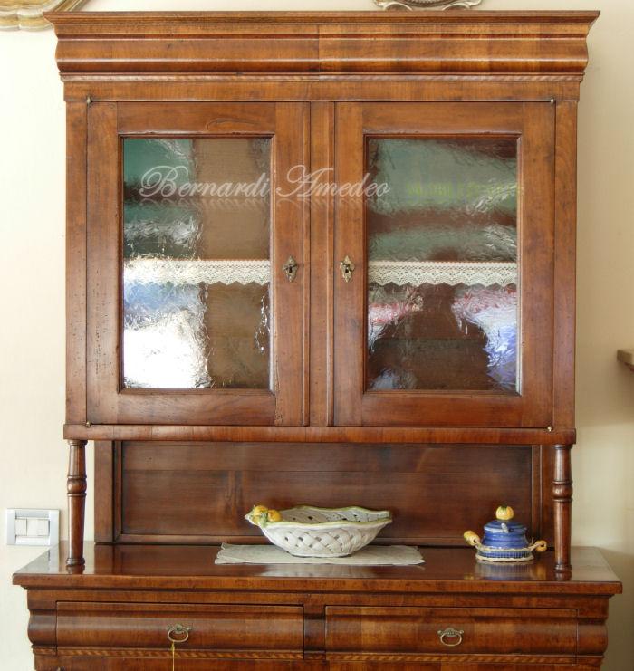 Credenze legno vecchio cassetto sagomato | Credenze