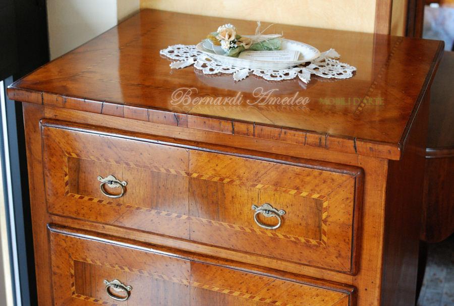 Cassettiere in legno vecchio | Mobili da entrata