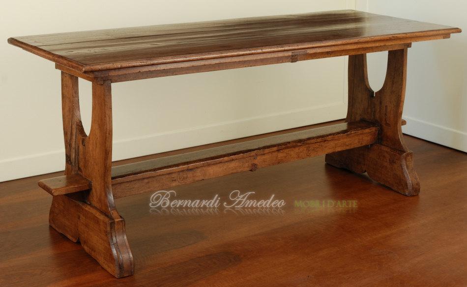 Tavolo fratino realizzato con noce antico ultimi mobili for Tavolo legno noce nazionale
