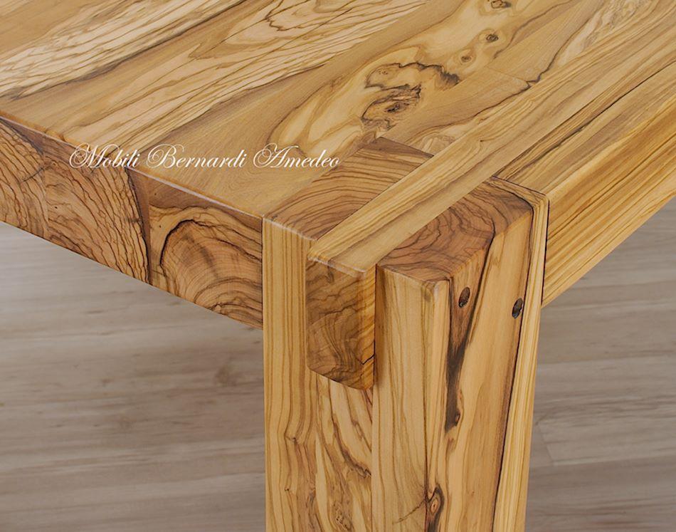 Tavoli e tavolini in ulivo massello tavoli for Tavolo da studio