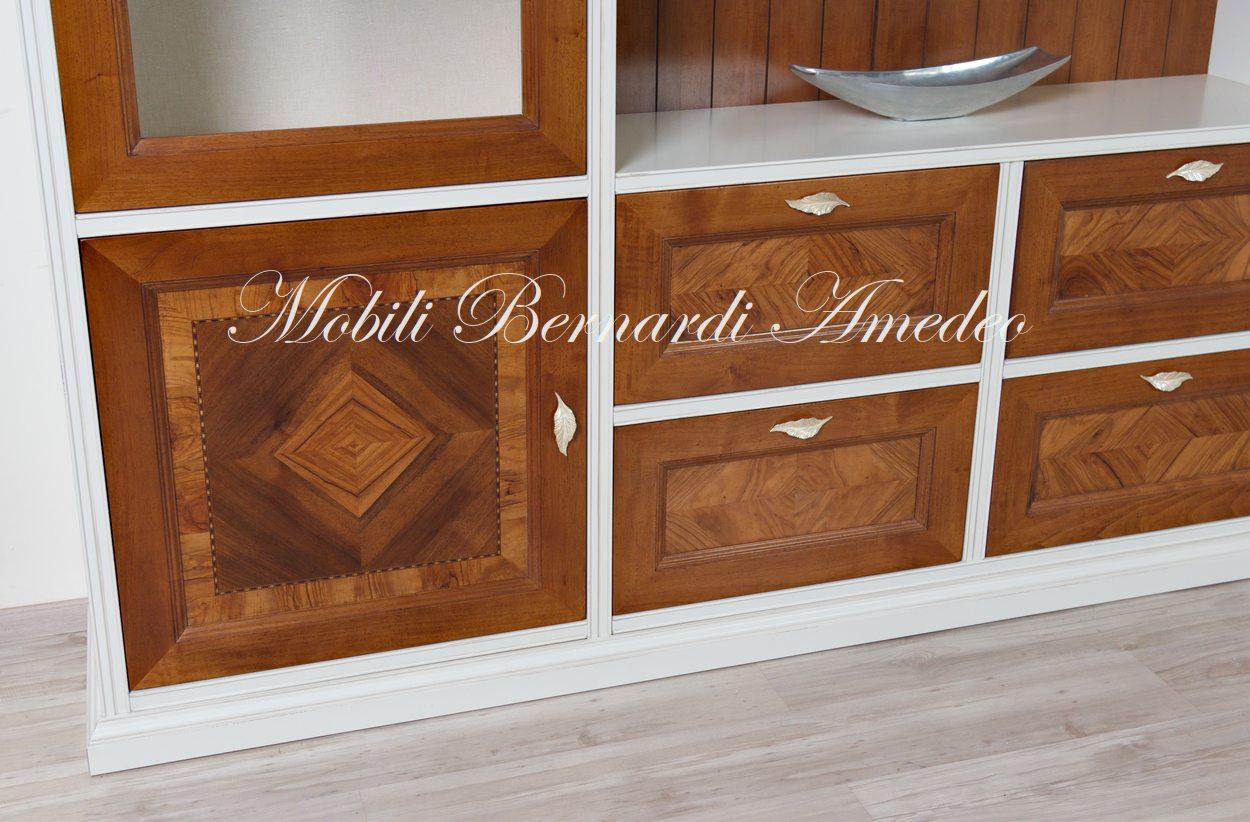 Pareti attrezzate intarsiate in legno massello  Componibili