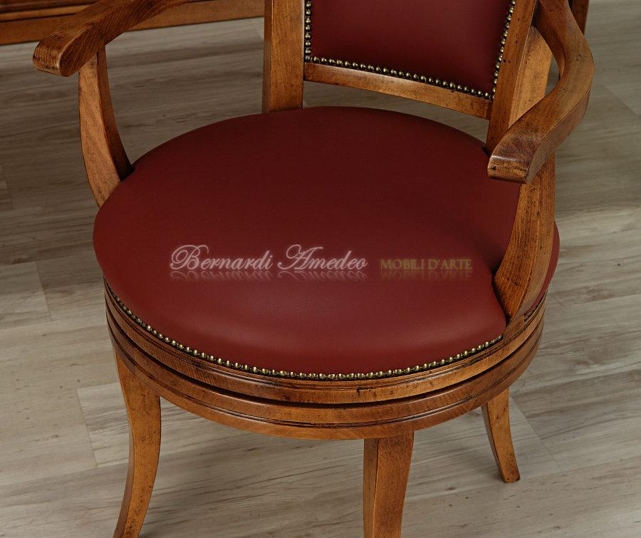 Poltrone girevoli sedie poltroncine divanetti for Poltroncine in pelle