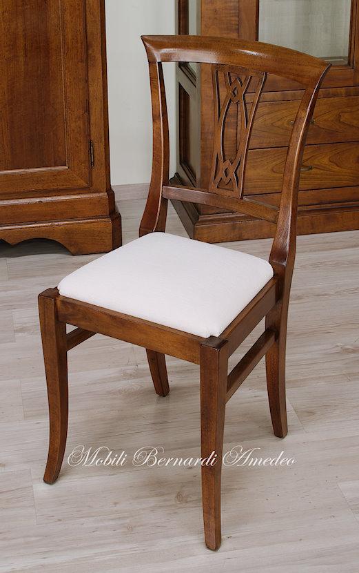 Croppo Sedie E Tavoli.Sedie In Noce 9 Sedie Poltroncine Divanetti