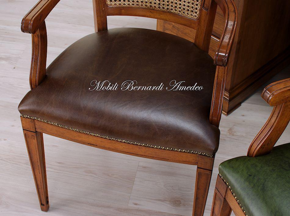 Sedie e poltroncine in noce sedie poltroncine divanetti for Poltroncine in pelle