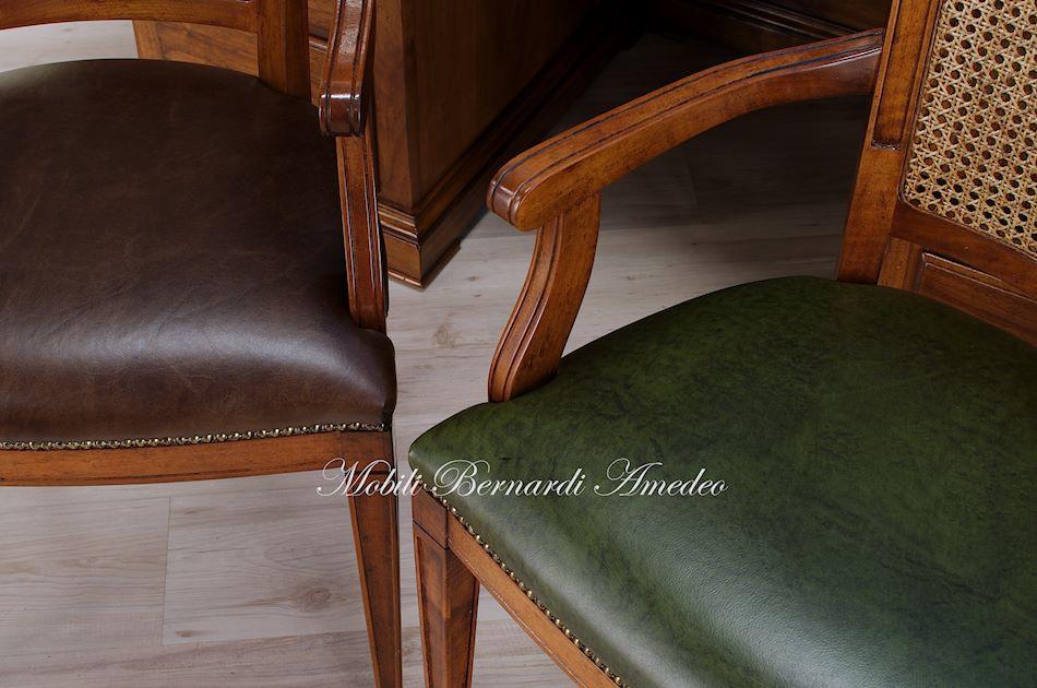 Sedie e poltroncine in noce sedie poltroncine divanetti for Sedie in pelle marrone