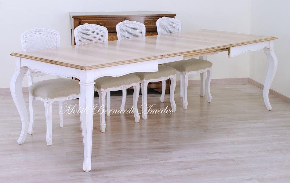 Tavoli allungabili in stile 16 tavoli for Tavoli maison du monde
