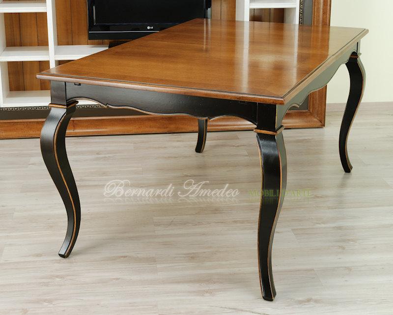 Tavoli allungabili in stile 16 tavoli for Tavoli in legno allungabili massello
