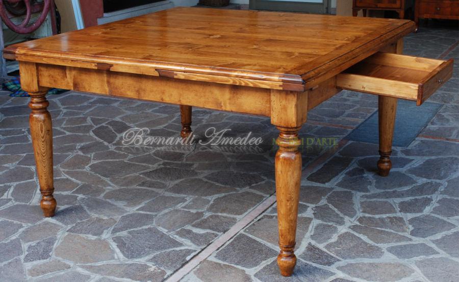 Tavoli allungabili in abete massello tavoli for Tavoli allungabili quadrati