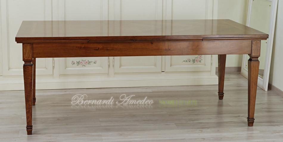 Tavolo allungabile in stile 15 tavoli for Tavolo legno intarsiato