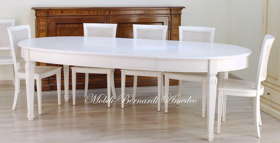 Tavoli stile classico rotondi e ovali 6 tavoli for Tavolo ovale bianco design