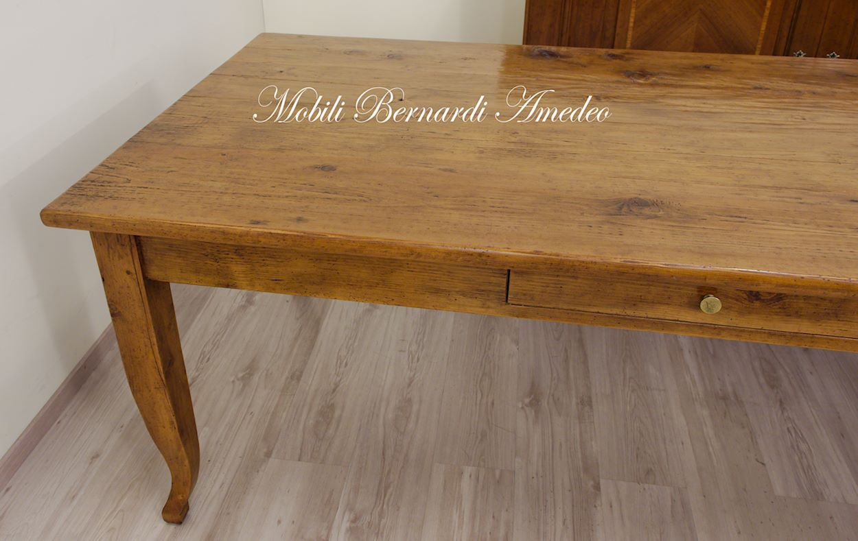 Tavoli in legno massello vecchio riciclato recuperato tavoli for Gambe di legno