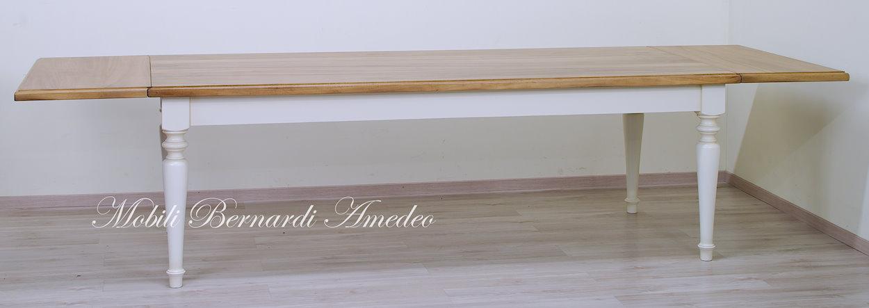 Tavoli da pranzo in legno massello  Tavoli