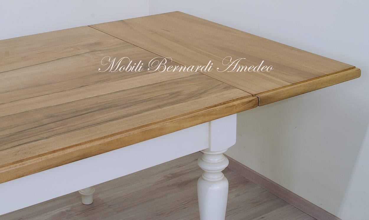 Tavoli da pranzo in legno massello tavoli for Tavoli estensibili in legno