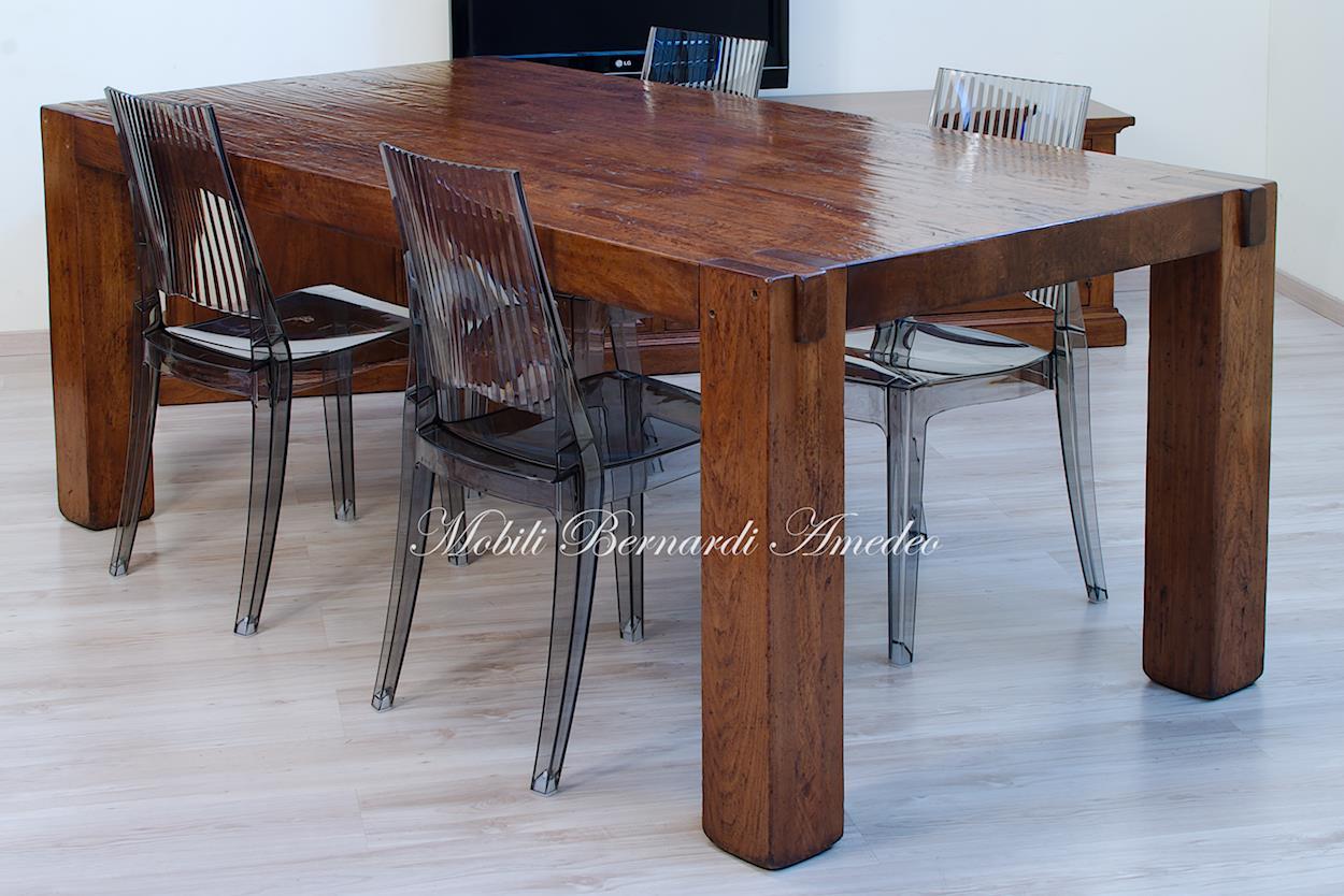 Tavolo moderno in legno massiccio tavoli for Tavoli in legno allungabili massello