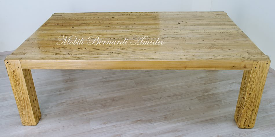Tavolo moderno in legno massiccio tavoli for Tavolo 12 persone