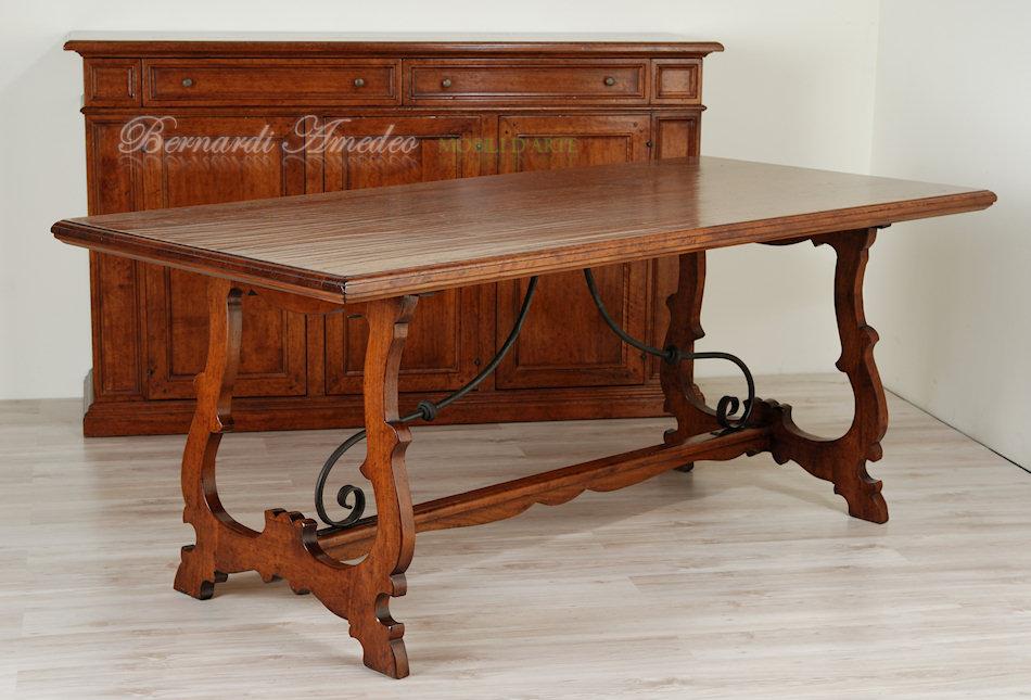 Tavolo In Ferro Brunito E Legno : Comodini in ferro battuto e legno. stunning comodino in vetro e