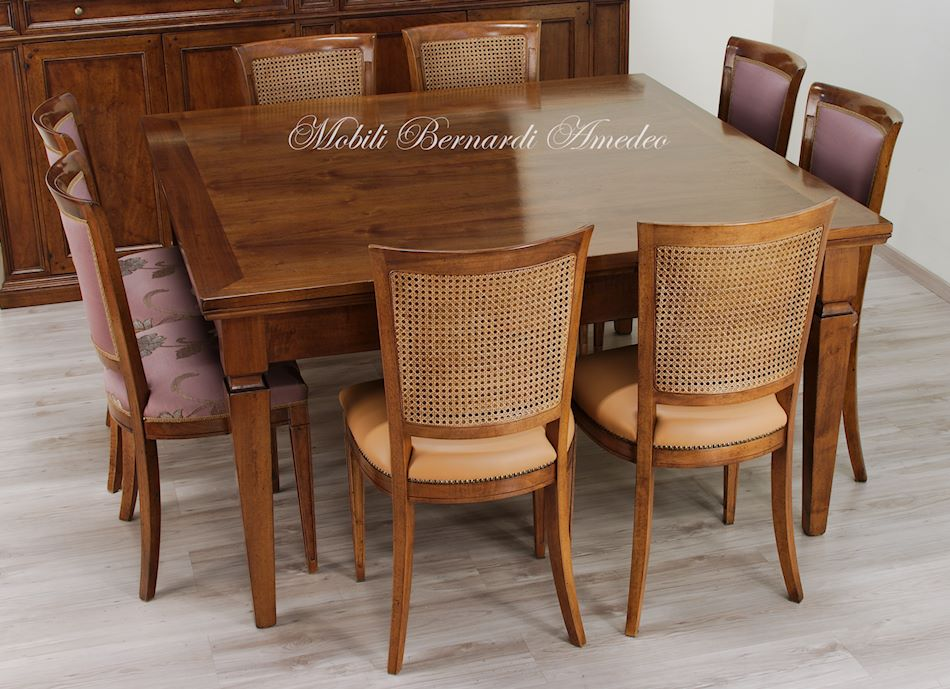 Tavoli allungabili in noce 12 tavoli for Tavolo allungabile e sedie
