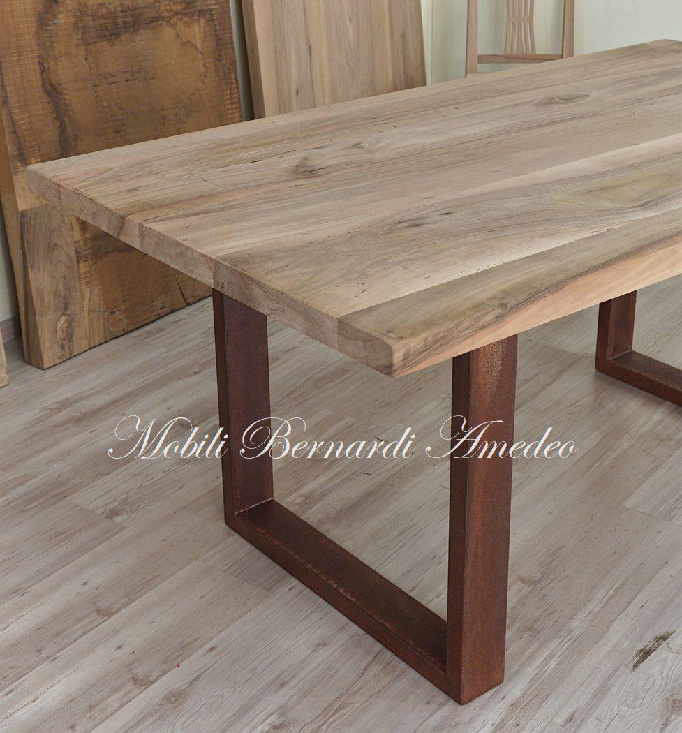 Tavoli in legno e metallo tavoli for Gambe di legno