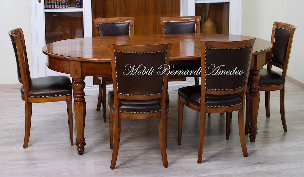 Tavoli ovali e rotondi 8 tavoli for Tavoli sala da pranzo in legno