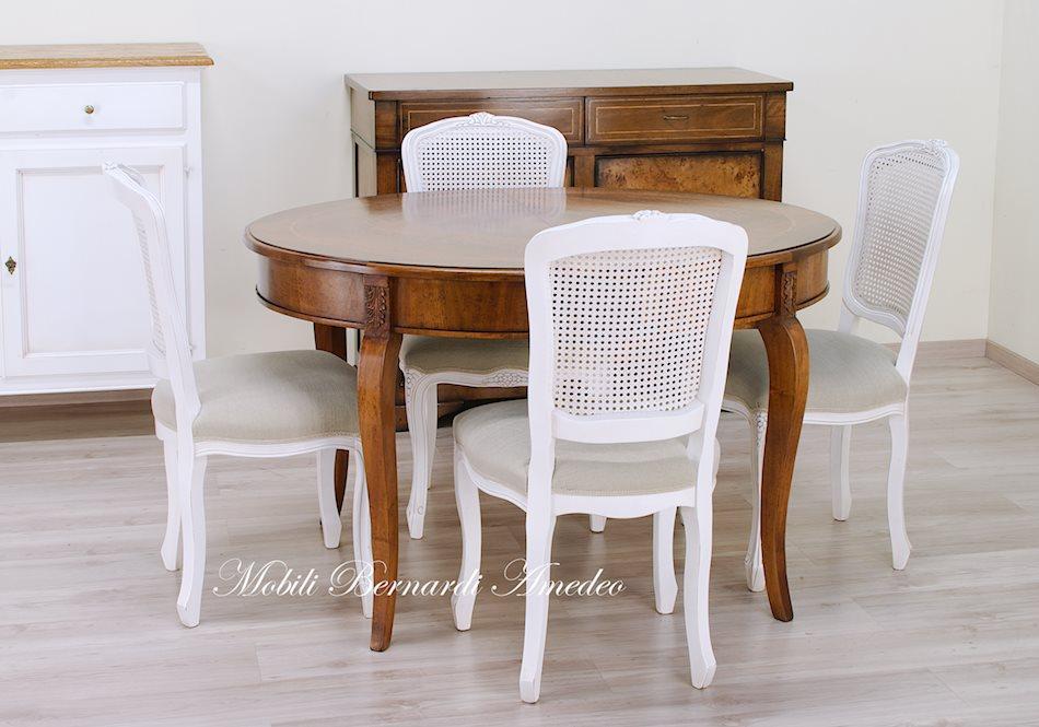 Tavoli ovali e rotondi allungabili tavoli for Sedie bianche per cucina