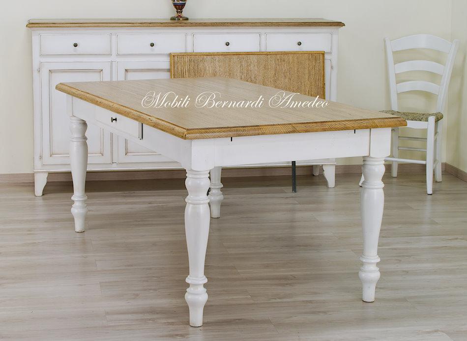 Tavoli country da cucina in legno massello tavoli for Tavoli per cucina in legno